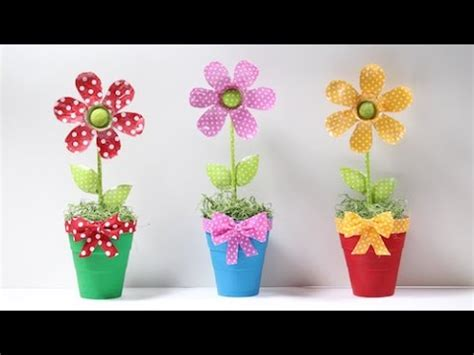 flores vasos de plastico de cafe papel macetas manualidades dia de la flor de garrafa pet youtube