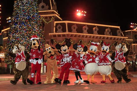funny christmas presents in shanghai photo gallery hong kong disneyland celebrates disney sparkling disney parks