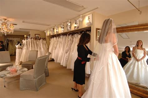 what to wear to a bridal appointment everafterguide