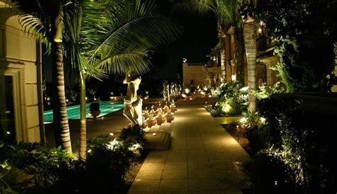 top low voltage landscape lighting techniques in south florida