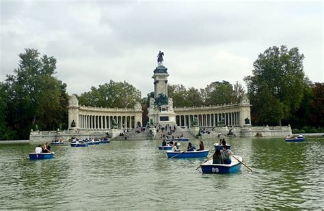 retiro park boats hours rowing boats in retiro the park is beautiful in the falll