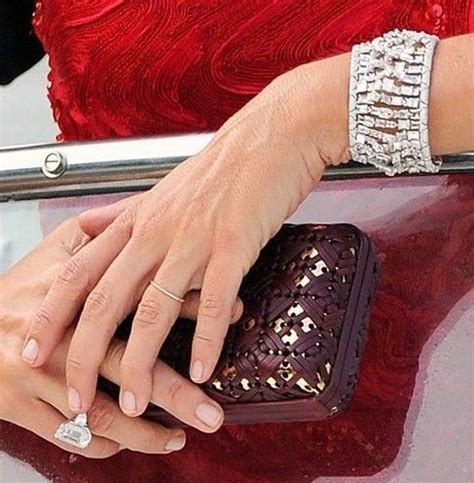 Cindy Crawford with her rarely seen Engagement Ring. Love