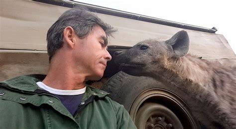 film dokumenter binatang buas wah selfie sama binatang buas lagi ngetren loh berani