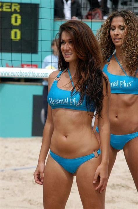 Bikini Voleyball by Beach Volleyball Bikini Cheerleaders 61 Pics
