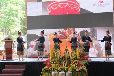 traditional new year entertainment city celebrates sea traditional new year style