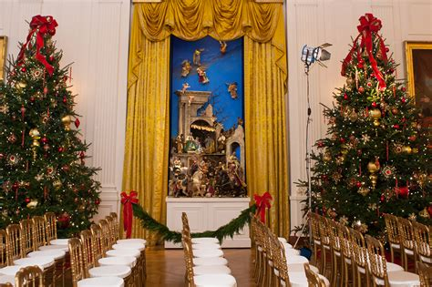 trump white house decorations melania trump unveils white house christmas decor