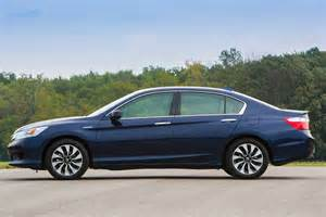 features and specs of the 2015 honda accord hybrid