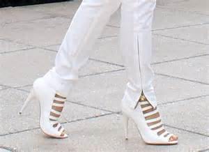 White Shoes Stylish White Shoes Trendy Mods