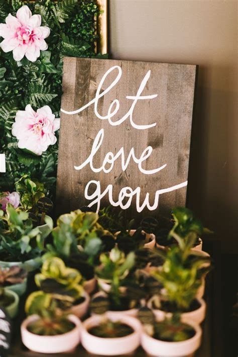 100 Edible Wedding Favor Ideas We Love   Everything