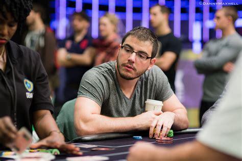 seat open  dani stern life  poker   difficulties    pro pokernews