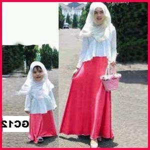 Baju Muslim Anak Perempuan Warna Putih 25 model baju muslim keluarga warna putih terbaru 2018 keren model baju keluarga terbaru