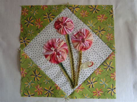 Patchwork Tutorials - posies quilt block tutorial