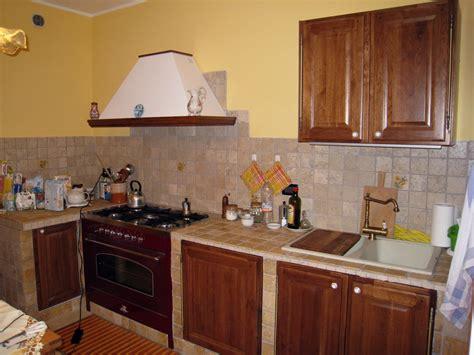 piastrelle per cucine in muratura foto cucina in muratura di bioarchitetture 80709