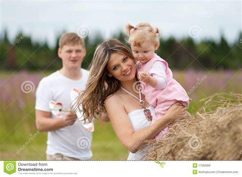 madre e hija se cogen madre e hija juntas se cogen al madre e hija se cogen al yerno madre e hija cogen juntas