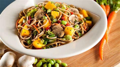 airport food sees tasty healthy upgrades across u s abc news