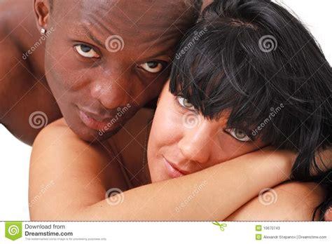 imagenes blancas y negras para bebes mujer blanca y hombre negro fotos de archivo imagen