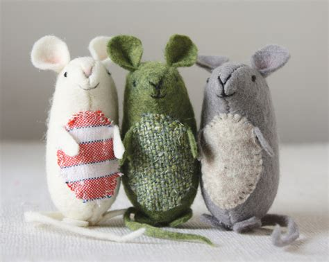 pattern for making felt mice very nice mice pattern and instructions and it s free