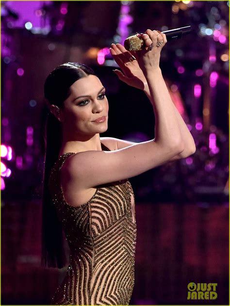 jessie j bang bang american music awards jessie j ariana grande nicki minaj perform bang bang
