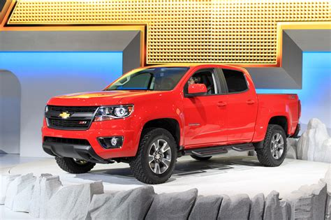 2015 chevy colorado diesel 2015 chevy colorado mid size to offer diesel option