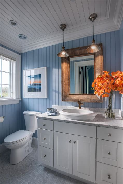 what to put in a guest bathroom hgtv dream home 2015 guest bathroom hgtv dream home