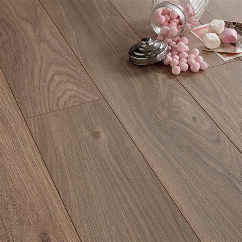Oak Effect Laminate Flooring by Arpeggio Heritage Oak Effect Laminate Flooring 1
