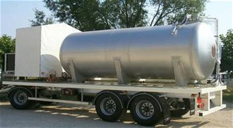 Tester By Limousine Liquid trailer for demineralised water transportation and treatment socomelu
