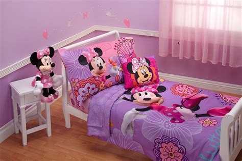 Minnie Mouse Toddler Bedding by Disney 4 Minnie S Fluttery Friends