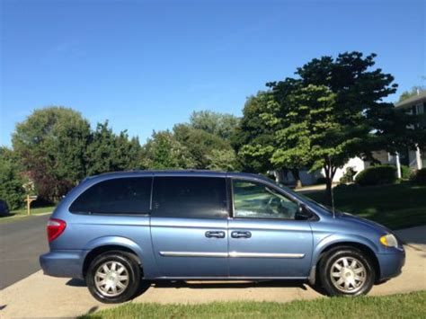 how to sell used cars 2007 chrysler town country electronic valve timing sell used 2007 chrysler town country touring special series for sale in silver spring