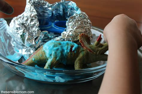 Handmade Volcano - babbabox science projects for