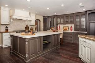 Kitchen Cabinet Painting Color Ideas by Best Color For Small Living Room Home Design And Life