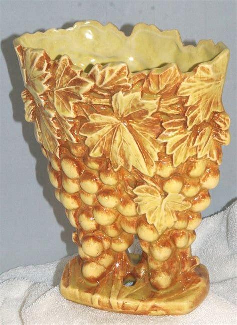 Mccoy Grape Vase by Mccoy Grape Cluster Vase Planter From 1951 Potterymccoygrapeplantervase1951 37 00