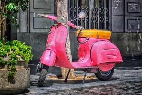 design the dream com pink vespa special