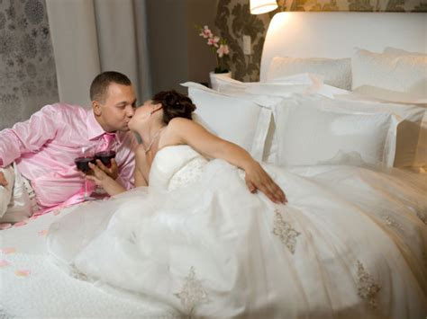 how to do first night tips to decorate your wedding room boldsky com