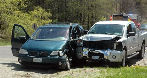 lincoln county newspaper maine no injuries in waldoboro collision the lincoln county news