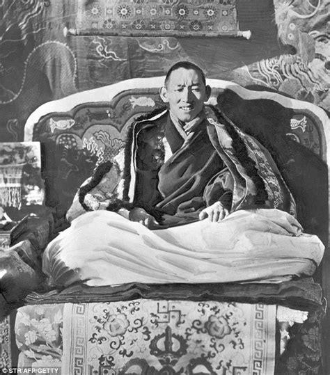 Buku Dalai Lama Berlanjut Ke Penggugahan kisah reinkarnasi dalai lama segenggam daun