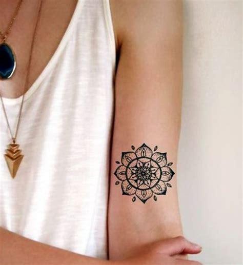 tattoo mandala caviglia foto tatuaggio mandala sul braccio lei trendy lista