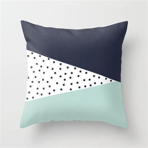 Craft Pillow Inserts by Best 25 Cushion Ideas Ideas On Cushions To