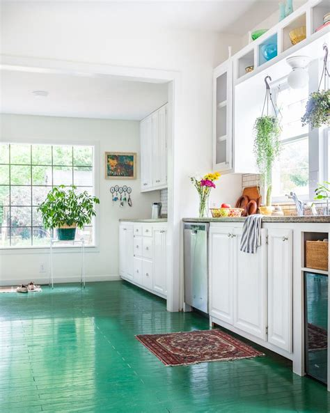 Painted Kitchen Floor Ideas by 25 Best Ideas About Painted Floors On Pinterest Painted