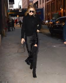 T2b Spotting The Black Ensemble gigi hadid struts stuff as she attends s