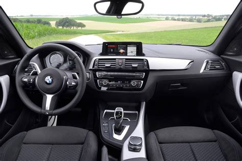 Bmw 1er 2017 Interior 2017 bmw 1 series lci on sale in australia m140i cut to