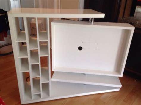 raumtrenner mit tv tipps anregung ideen f 252 r raumteiler mit integriertem tv