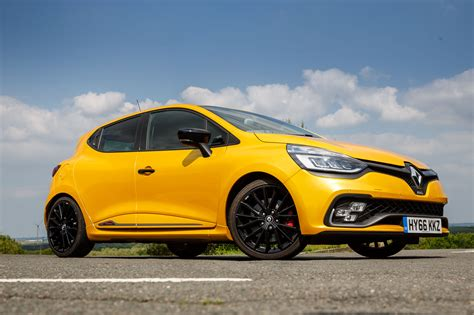 renault clio 2017 2017 renault clio rs 220 trophy edc review