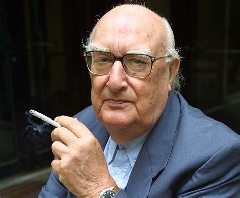 Auguri ad Andrea Camilleri. Il grande scrittore compie 90 anni