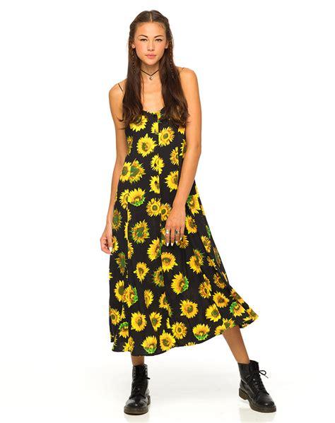 dress maxi sunflow buy motel ariane maxi dress in sunflower at motel rocks