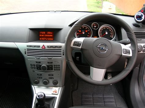 opel vectra 2004 interior opel astra interior bing images
