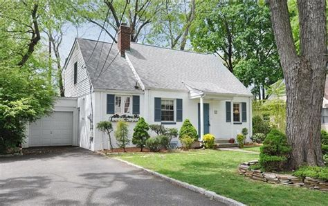 fair lawn colonial home for sale in radburn section