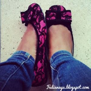 Kemeja Diana Lace the putranto s story pink fuschia flat shoes