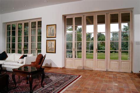 porta finestra in inglese serramenti in legno a brescia infissi legno brescia