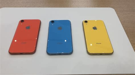 apple iphone xs iphone xs max iphone xr look and on review