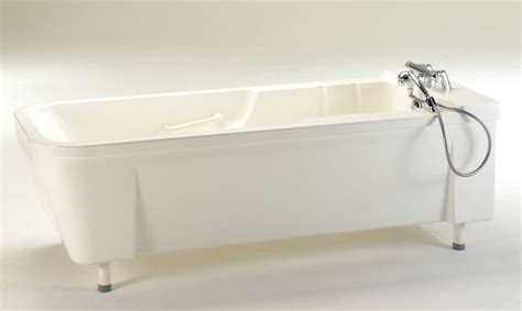 medical bathtubs lifting nursing bathtubs itub lena horcher medical
